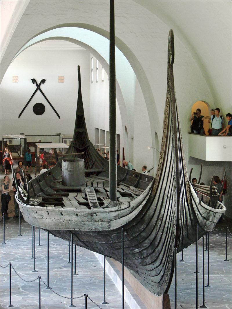 Le_bateau_viking_dOseberg_(4836398163)